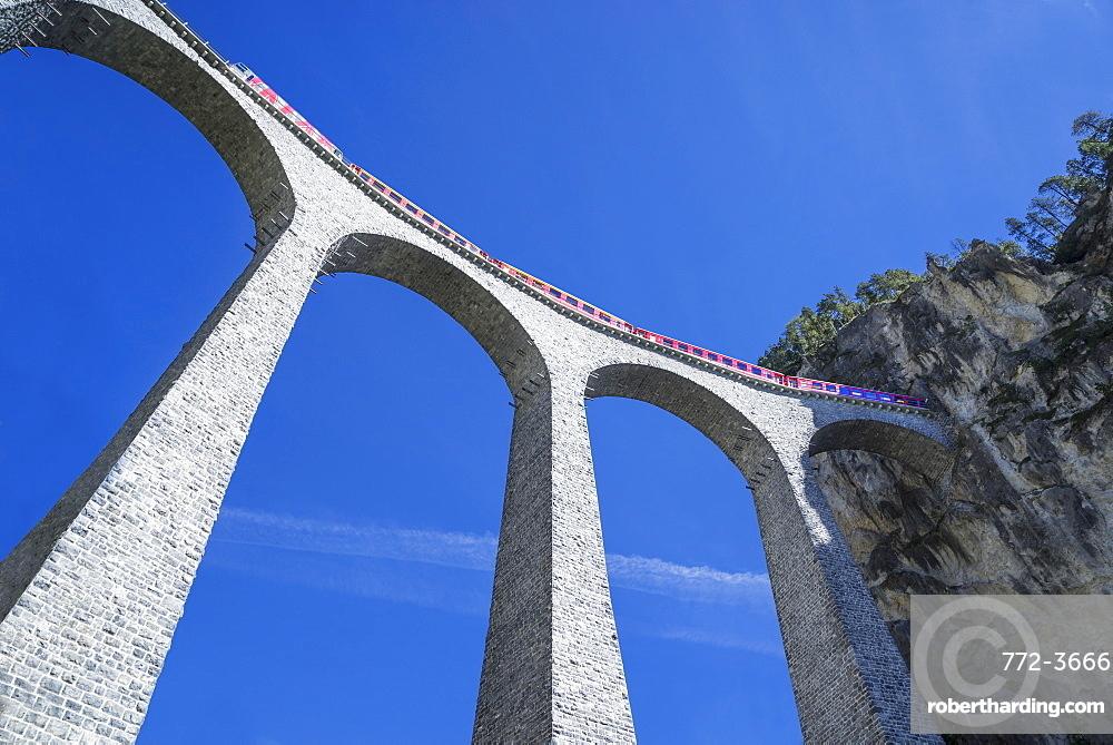 Landwasser Viadukt, Filisur, Graubunden, Swiss Alps, Switzerland, Europe