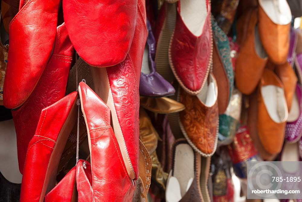 Traditional Egyptian shoes for sale in a shop in Cairo old town, Egypt, North Africa, Africa