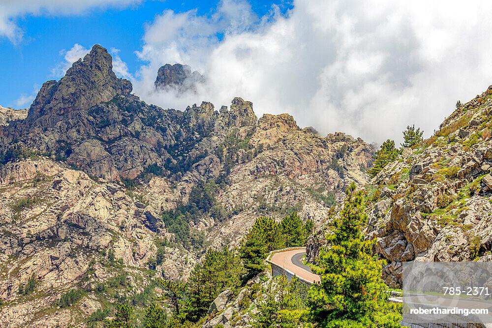 Road running through a mountain pass, past Bocca di u Pargulu, in central Corsica