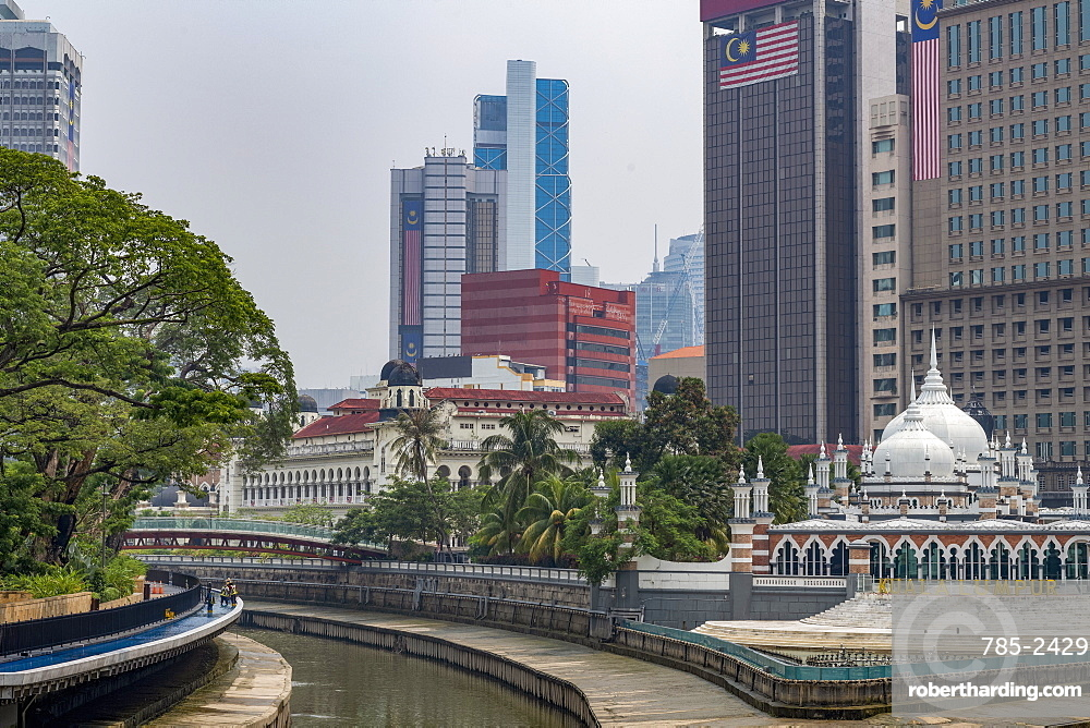 Masjid Jamek Mosque at the confluence of the Klang and Gombak River in the capital city of Kuala Lumpur, Malaysia, Southeast Asia, Asia