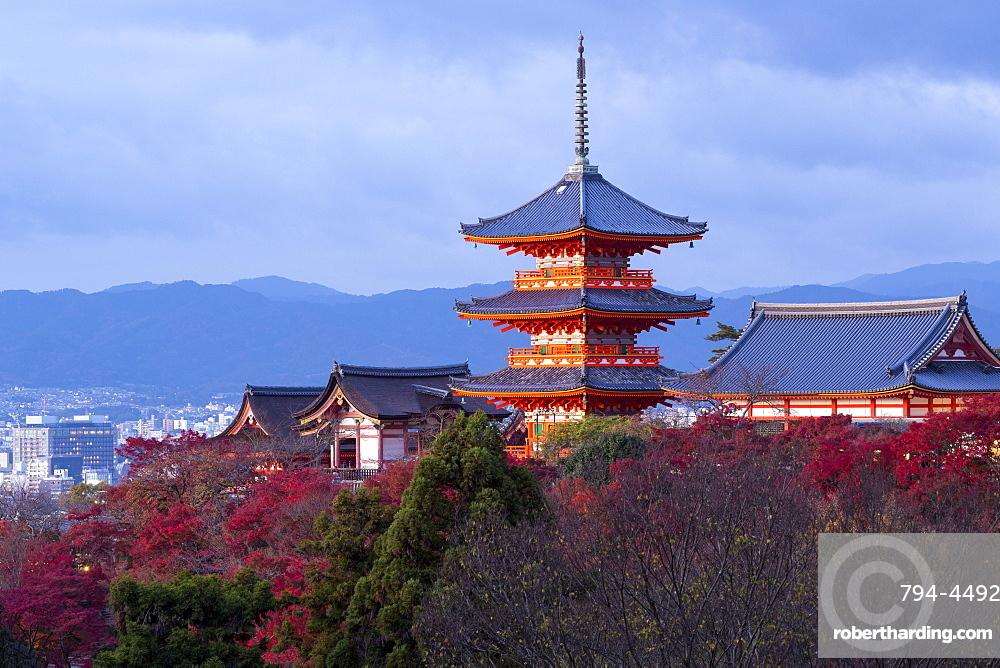 Kiyomizu-dera temple, UNESCO World Heritage Site, Kyoto, Honshu, Japan, Asia