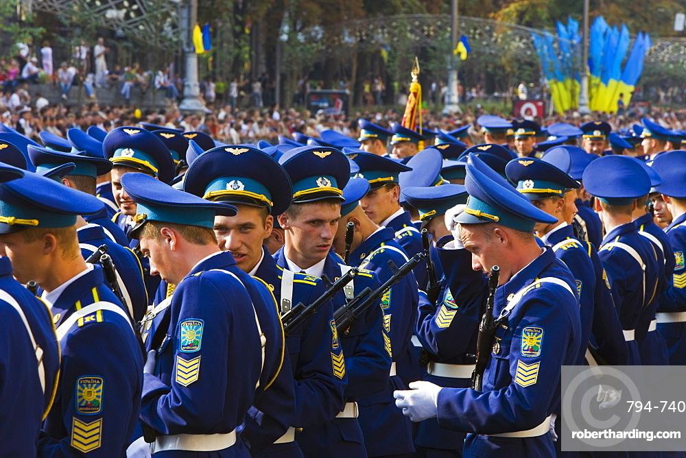 Annual Independence Day parade along Khreshchatyk Street and Maidan Nezalezhnosti (Independence Square), Kiev, Ukraine, Europe