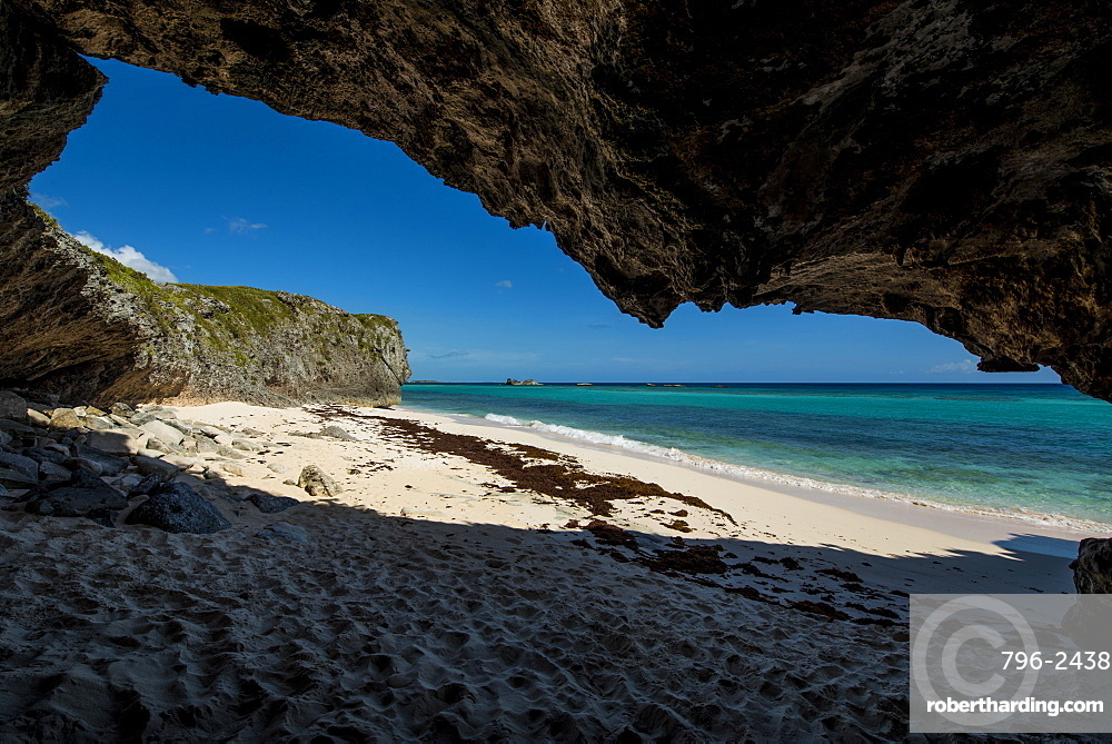 Secret Cave Beach, Middle Caicos, Turks and Caicos Islands, West Indies, Central America