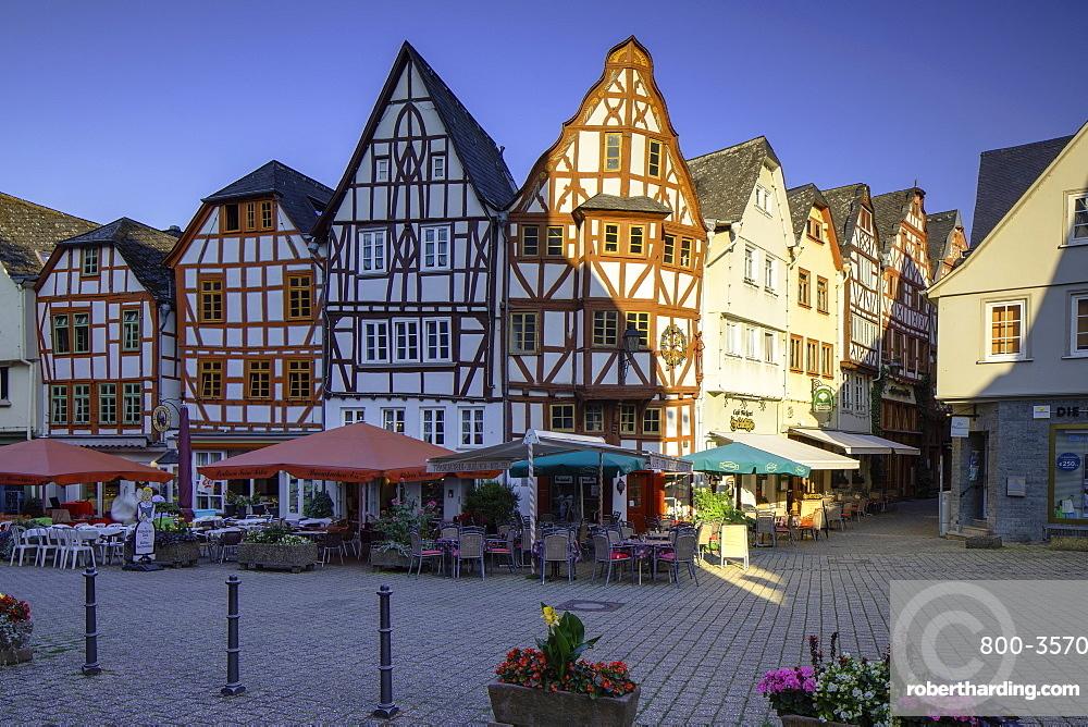 Half-timbered buildings in Bischofsplatz, Limburg (Limburg an der Lahn), Hesse, Germany, Europe