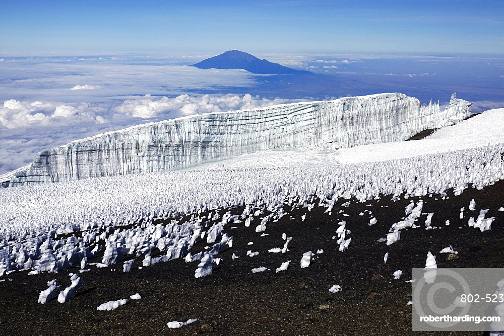 The summit plateau of Uhuru peak, Africa's highest point, Kilimanjaro, UNESCO World Heritage Site, Tanzania, East Africa, Africa