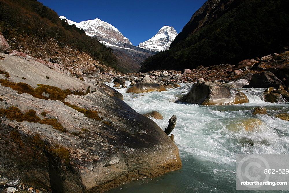 River, high Khumbu, Himalayas, Nepal, Asia