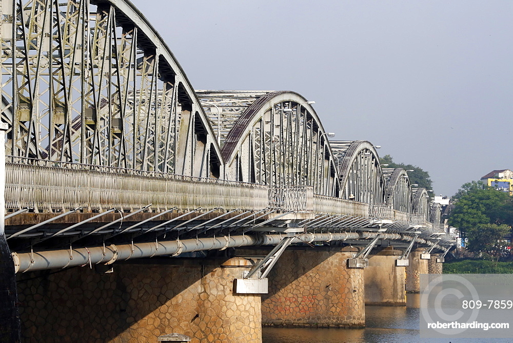 The famous Trang Tien bridge built by Gustave Eiffel, Hue, Vietnam, Indochina, Southeast Asia, Asia