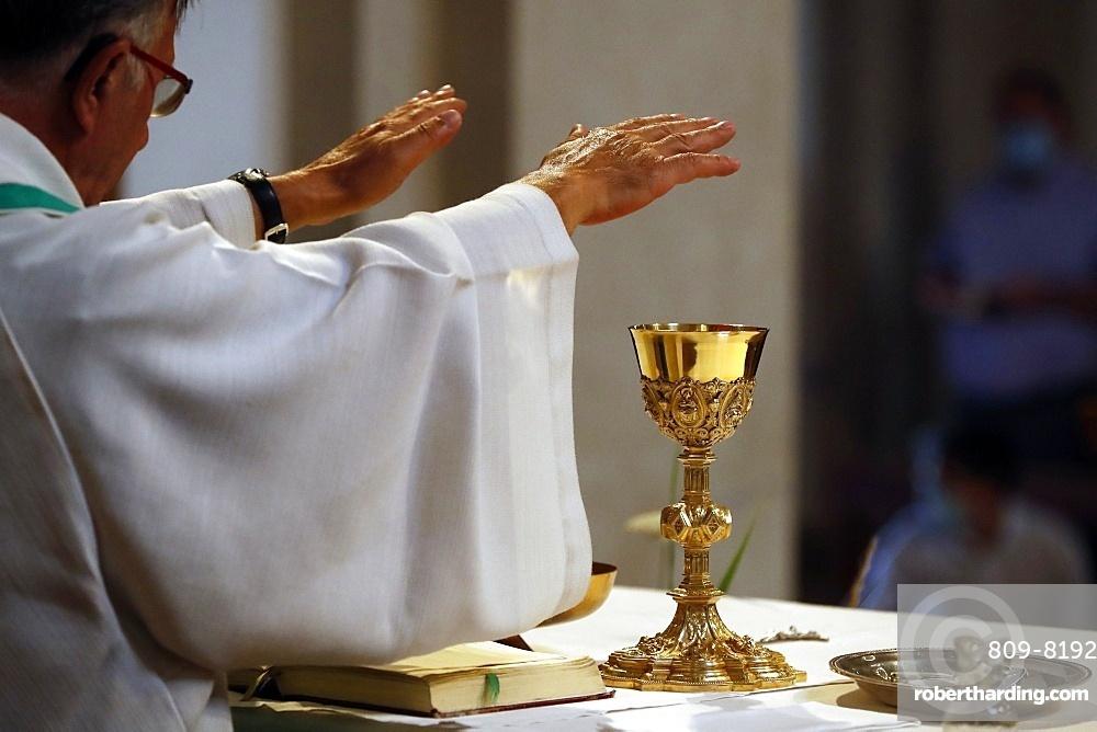 Catholic church during covid-19 epidemic, Sunday Mass, Holy Communion, Saint Gervais, Haute-Savoie, France, Europe