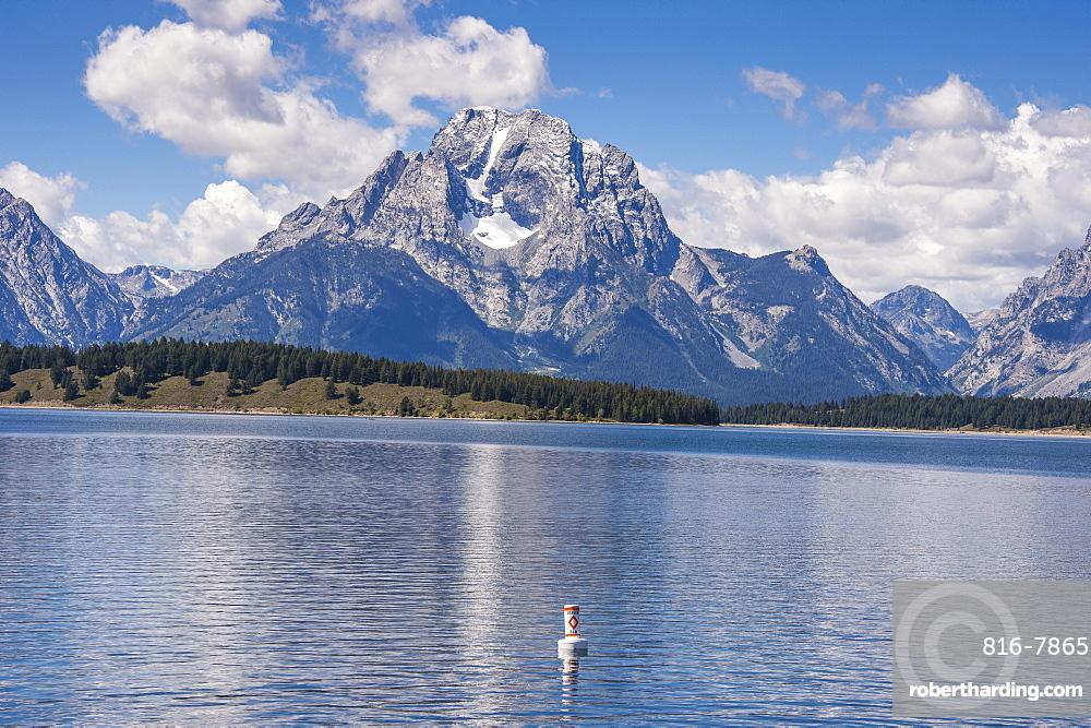 Jackson Lake in the Teton range in the Grand Teton National Park, Wyoming, United States of America, North America