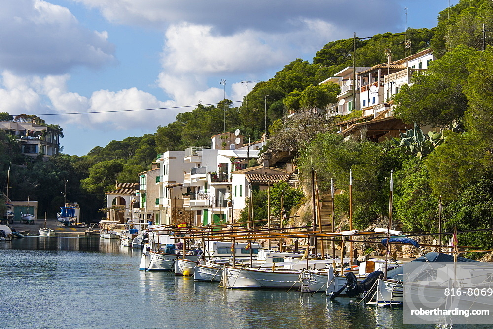 The beautiful little bay of Cala Figuera with little fishing boats, Mallorca, Balearic Islands, Spain, Mediterranean, Europe