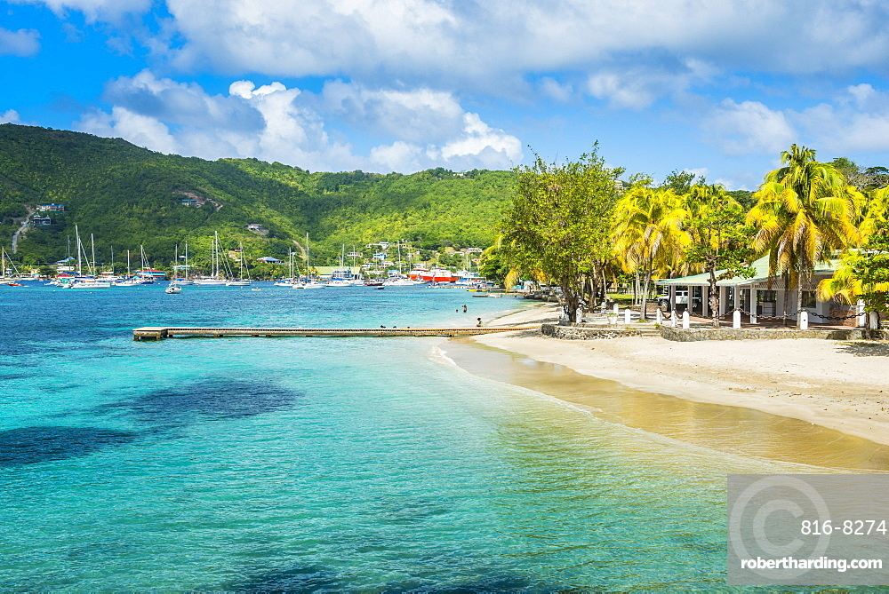 Town beach of Port Elizabeth, Admiralty Bay, Bequia, The Grenadines, St. Vincent and the Grenadines, Windward Islands, West Indies, Caribbean, Central America