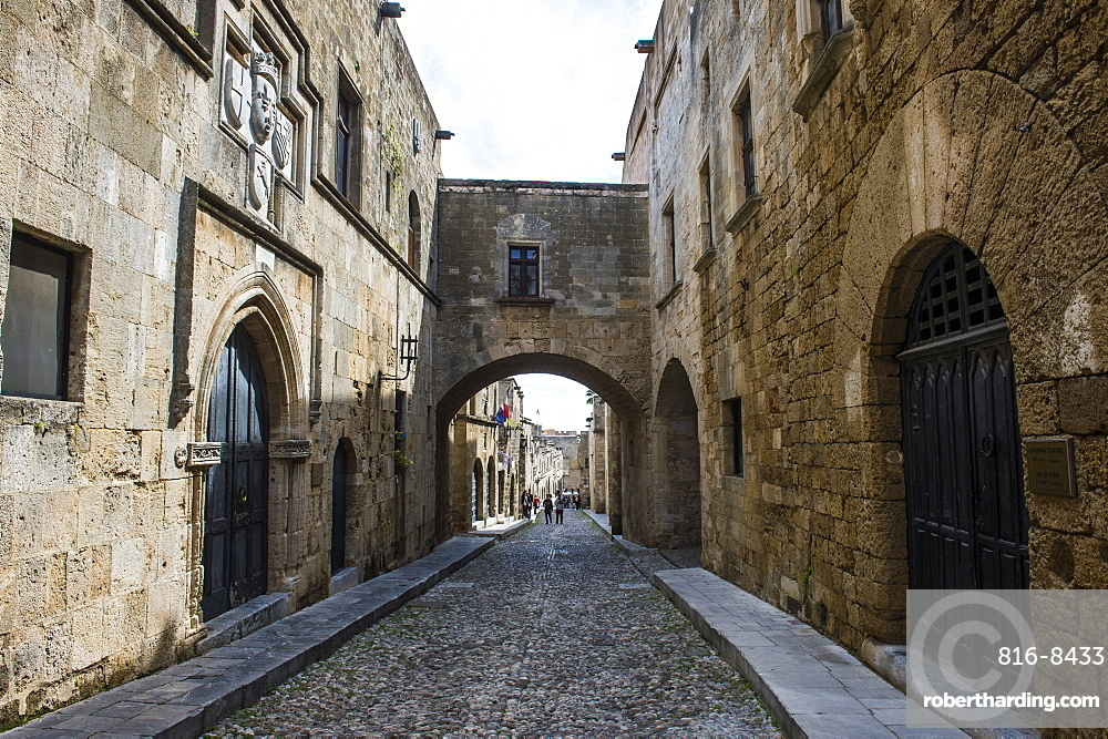 The cobblestoned Street of the Knights, the Medieval Old Town, UNESCO World Heritage Site, City of Rhodes, Rhodes, Dodecanese Islands, Greek Islands, Greece, Europe