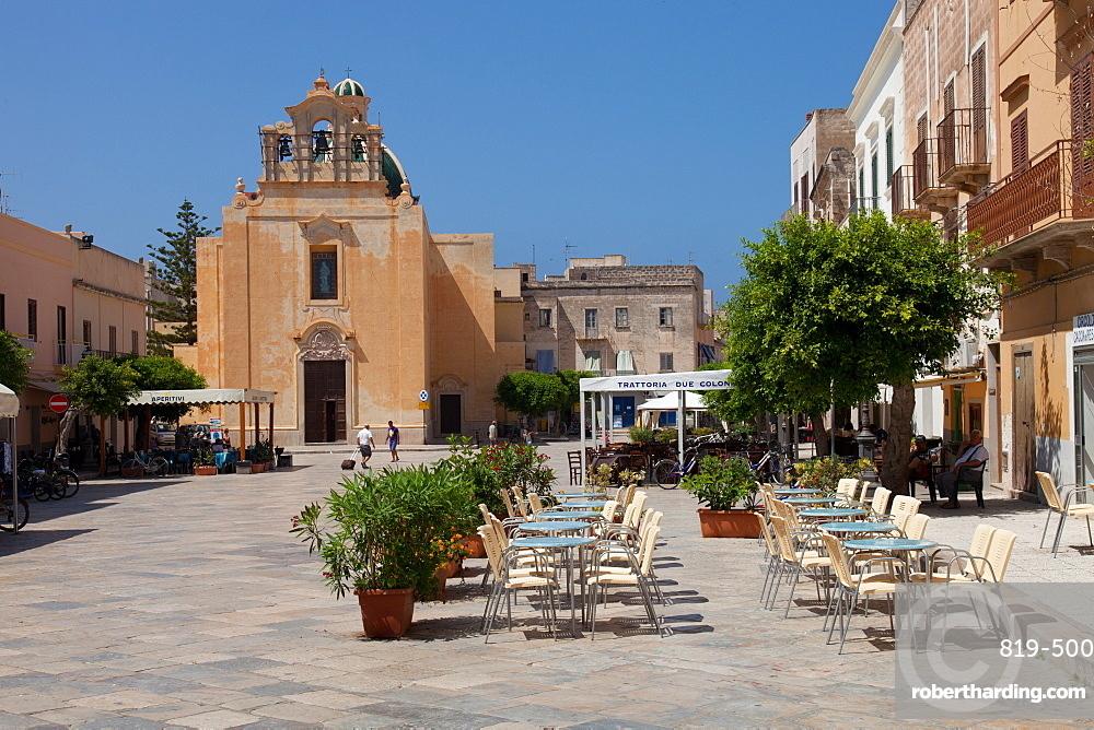 Immacolata Concezione Church and Piazza Madrice, Favignana, Egadi islands, Trapani, Sicily, Italy, Europe