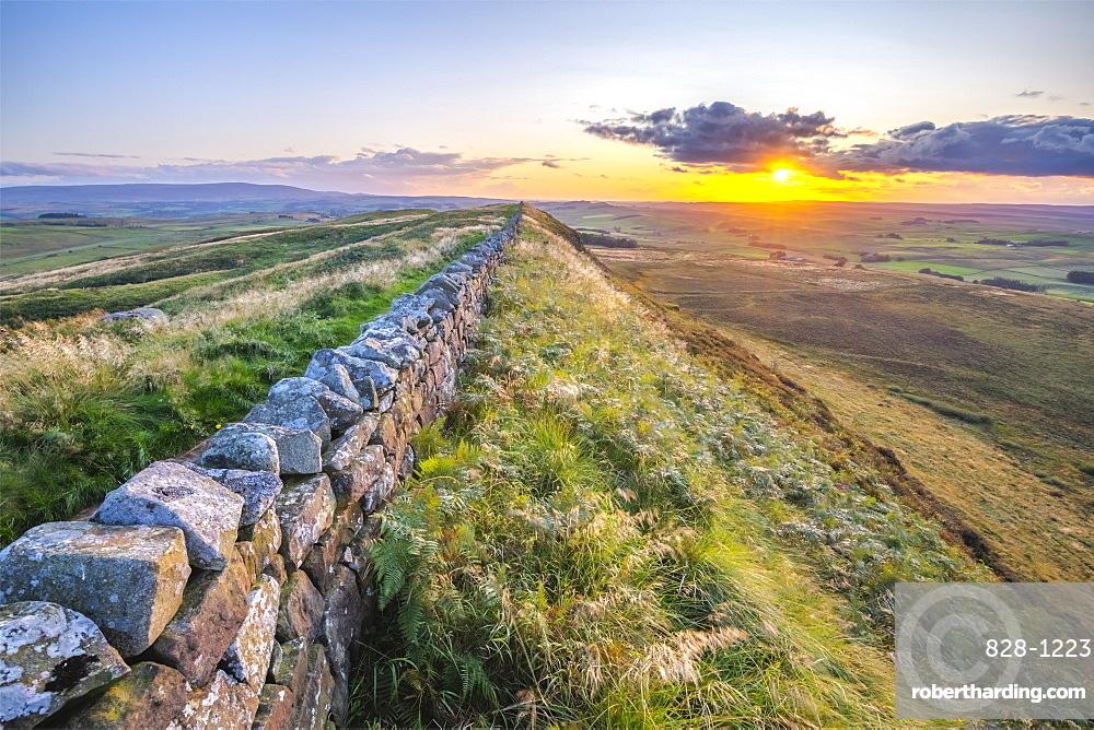 Winshield Crags, Hadrian's Wall, UNESCO World Heritage Site, Melkridge, Haltwhistle, Northumberland, England, United Kingdom, Europe