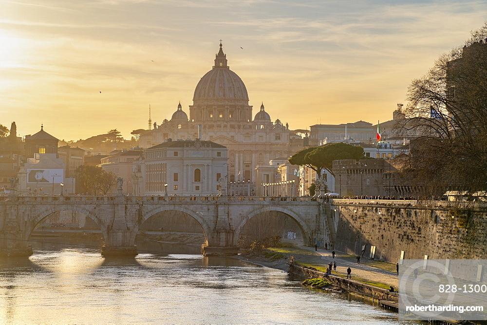 River Tiber, St. Peter's Basilica, UNESCO World Heritage Site, Rome, Lazio, Italy, Europe