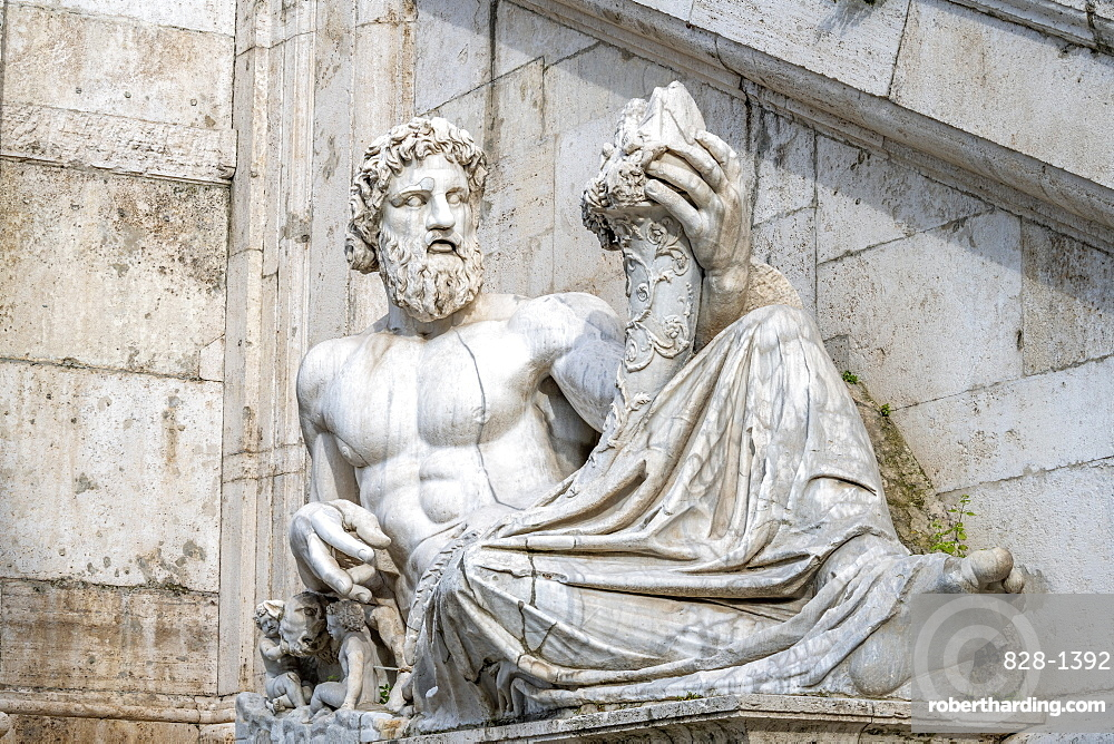 Palazzo Senatorio, Fountain of the Goddess of Rome, River Tiber, Piazza del Campidoglio, Capitoline Hill, Rome, Lazio, Italy, Europe