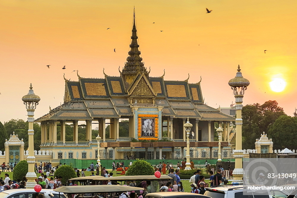 Chan Chhaya Moonlight Pavilion at sunset, venue for classic Khmer dance, Royal Palace Park, city centre, Phnom Penh, Cambodia, Indochina, Southeast Asia, Asia