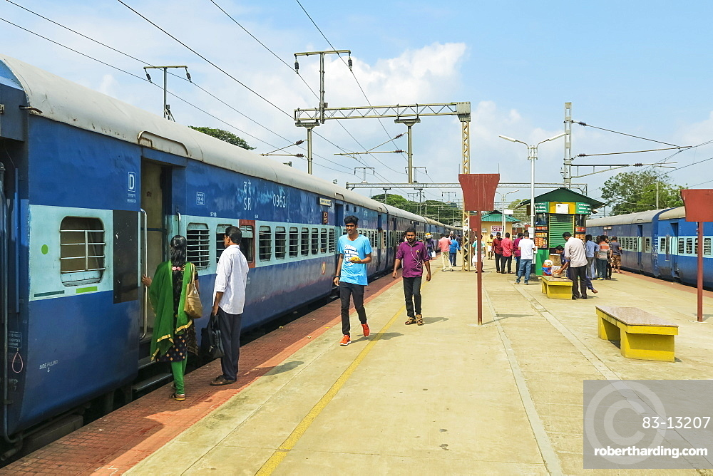 Railway train at Shoranur Junction station, connects north to Goa, south to Kochi, and east to Bangalore, Shoranur, Palakkad, Kerala, India, Asia