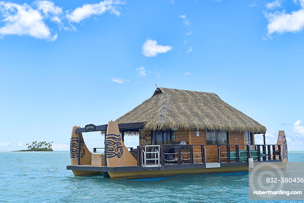 House boat, South Pacific, Raiatea, French Polynesia, Oceania
