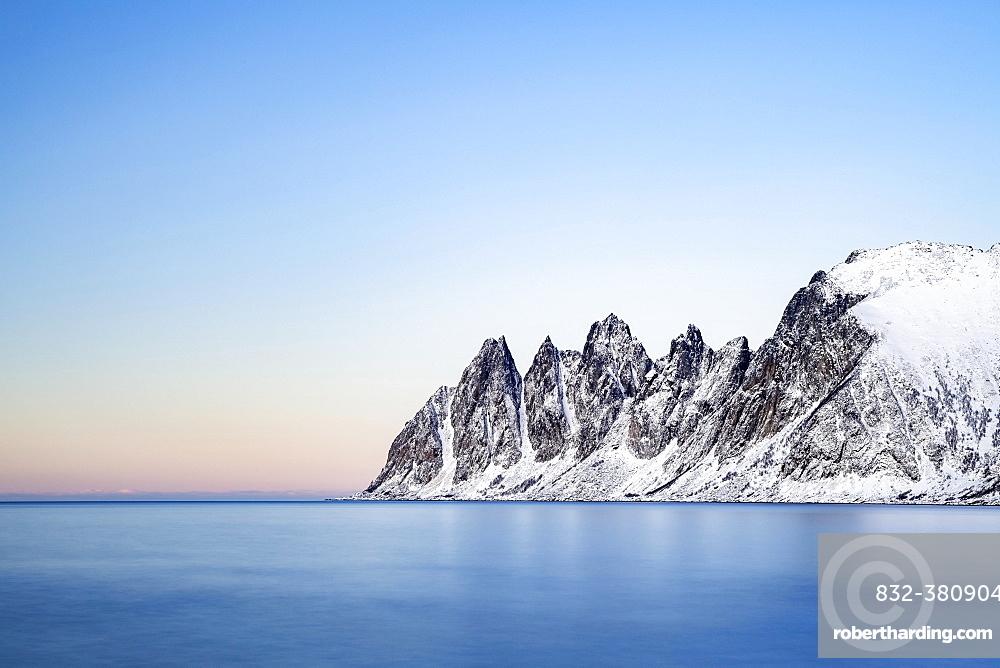 Mountain peaks at Tungeneset, Devil's Teeth, Okshornan Mountain Range, Senja Island, Troms, Norway, Europe