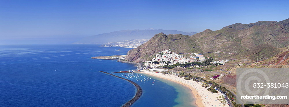 Beach Playa de las Teresitas, San Andres, view on Santa Cruz and the Teide, Tenerife, Canary Islands, Spain, Europe