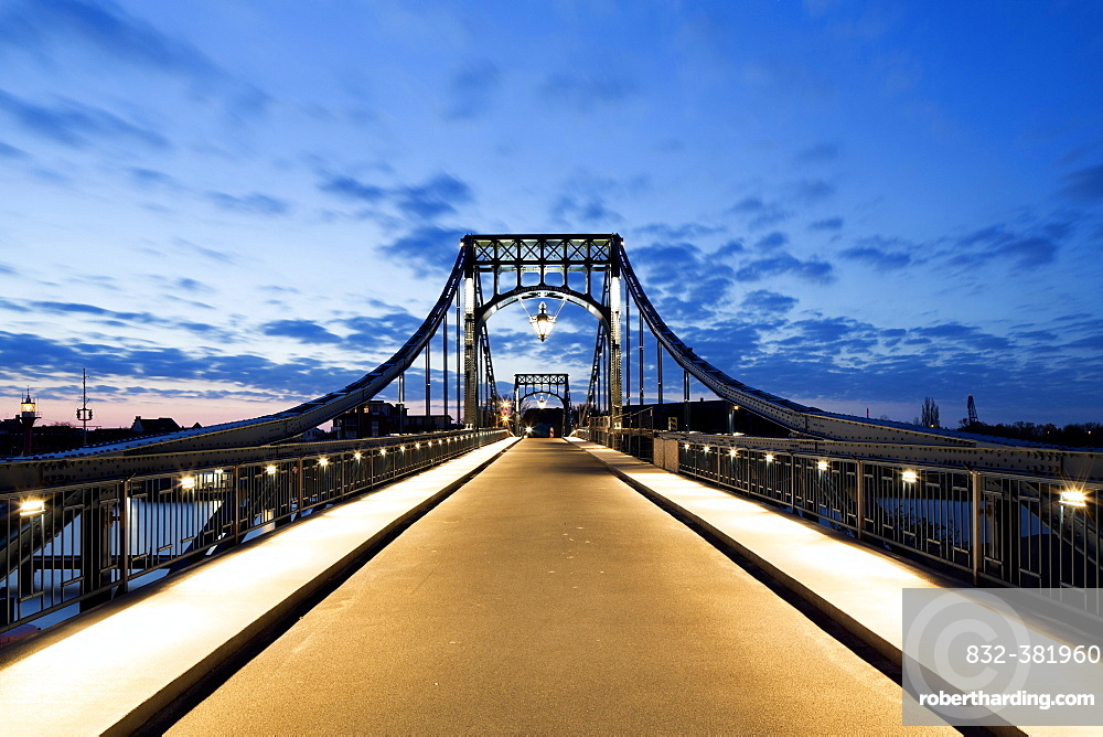 Kaiser Wilhelm Bridge, historic swing bridge from 1907 in the harbour, Wilhelmshaven, Lower Saxony, Germany, Europe