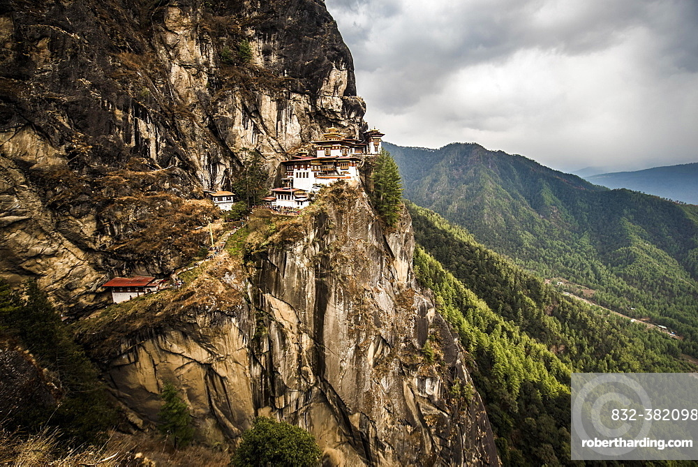 Buddhist tiger nest monastery Taktshang on steep rock face, Tiger's Nest, Paro District, Himalayas, Kingdom of Bhutan