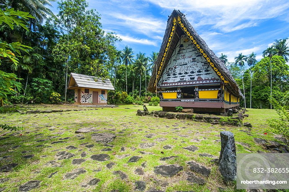 Oldest Bai of Palau, a house for the village chiefs, Babeldaob, Palau, Oceania