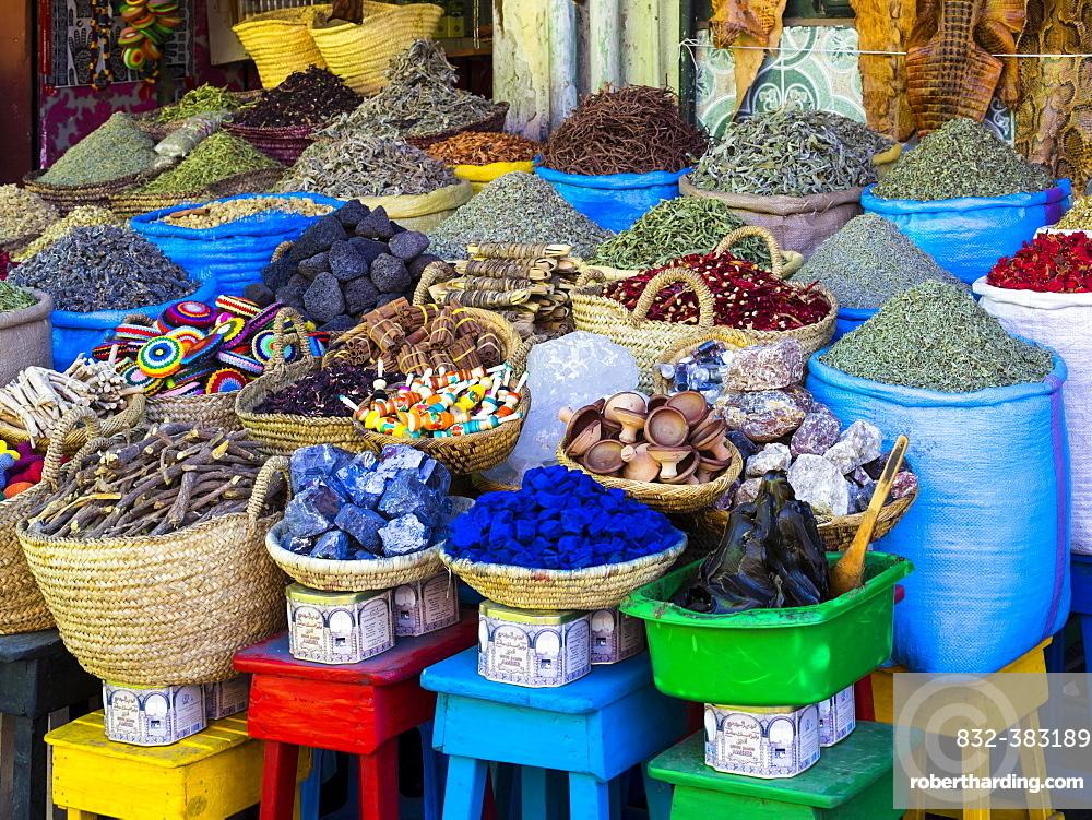 Spices are on sale in baskets, Souk, Rue Souk Soufiane, historic Medina, Marrakech, Marrakech-Tensift-El Haouz, Morocco, Africa