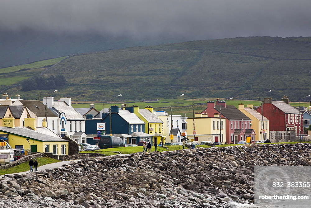 Houses on the coast, Waterville, County Kerry, Ireland, Europe