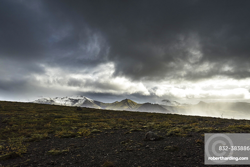Mountain range in Skaftafell National Park, South Iceland, Iceland, Europe