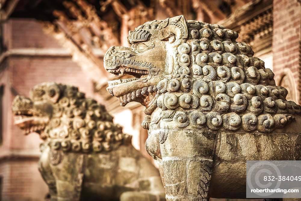 Antique Lion Figures, Royal Palace, Durbar Square, Patan, Kathmandu TalHimalaya Region, Nepal, Asia