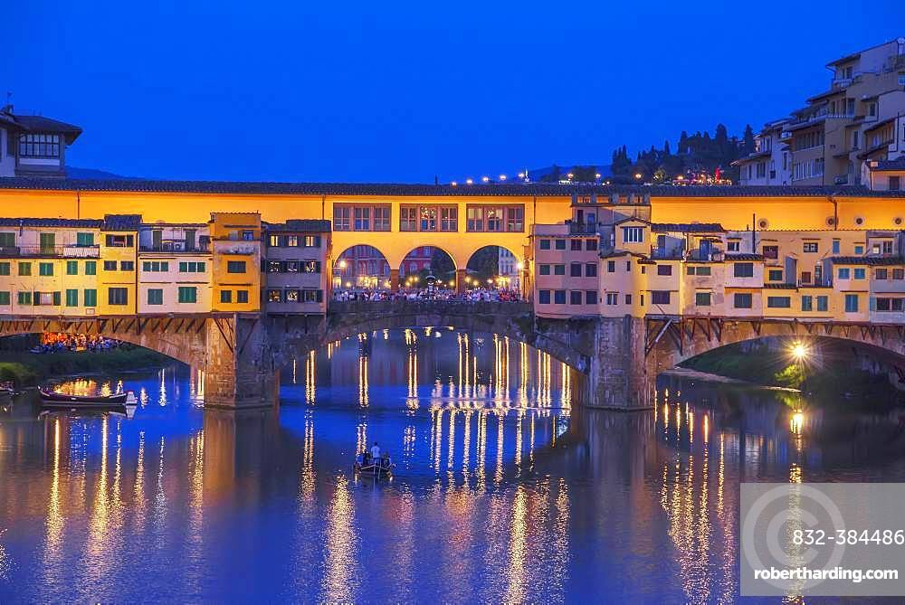 Ponte Vecchio at dawn, Florence, Tuscany, Italy, Europe