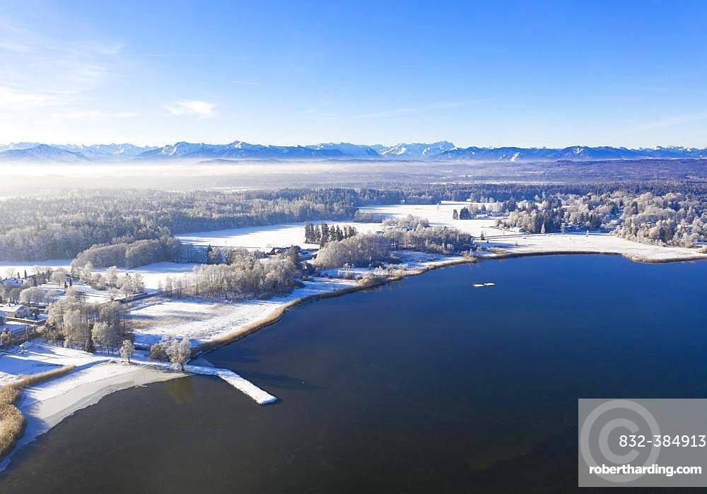 Winter landscape at Starnberger See, Sankt Heinrich near Muensing, Fuenfseenland, drone shot, Alpine foothills, Upper Bavaria, Bavaria, Germany, Europe