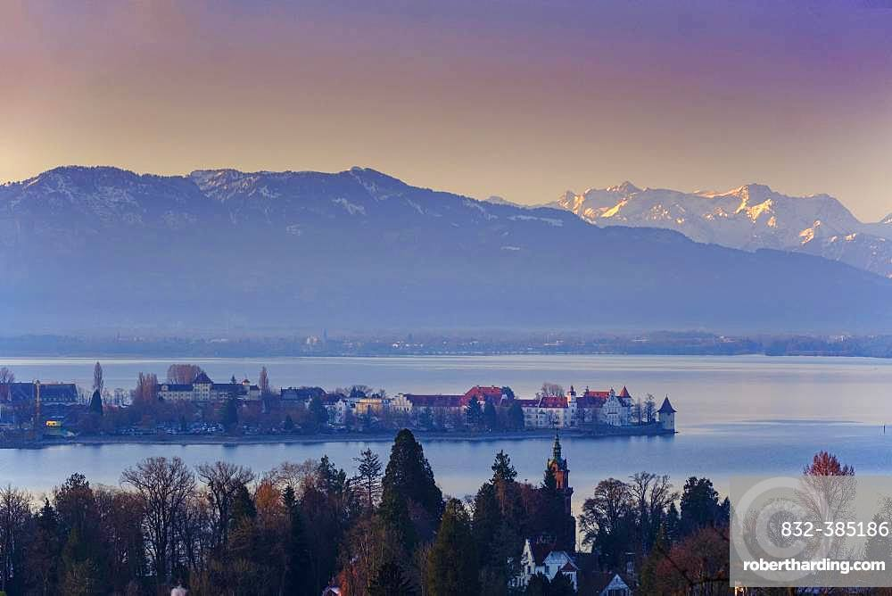 Morning atmosphere, view over Lindau to Lake Constance and Vorarlberg, Hoyerberg, Lake Constance, Lindau, Swabia, Bavaria, Germany, Europe