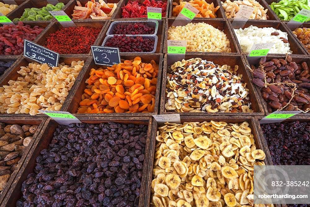 Various candied fruits and dried fruits, Street market in S'Arenal, Majorca, Balearic Islands, Spain, Europe