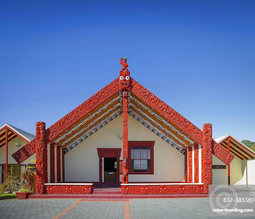 House of Maori with traditional, artistic wood carving, Whakarewarewa, Rotorua, Bay of Plenty, North Island, New Zealand, Oceania
