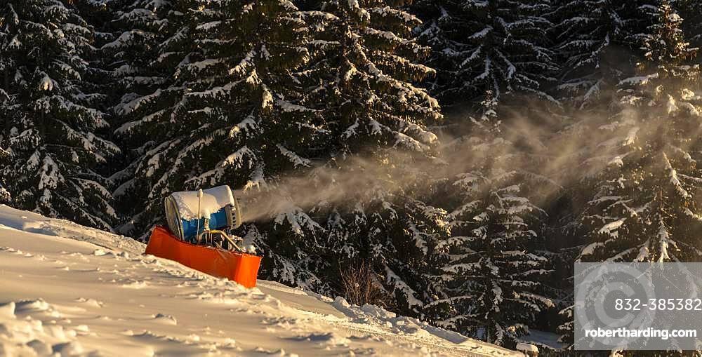 Snow cannon in winter, SkiWelt Wilder Kaiser, Brixen im Thale, Tyrol, Austria, Europe
