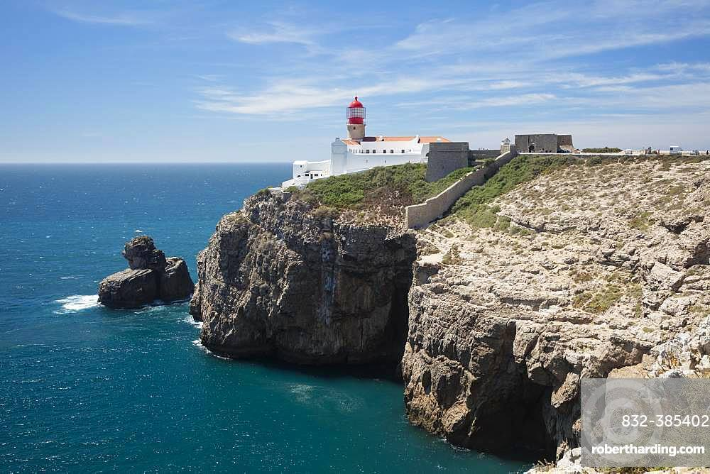 Lighthouse at steep coast, Cabo de Sao Vicente, Cape Sankt Vinzenz, southwest point of Europe, Algarve, Portugal, Europe
