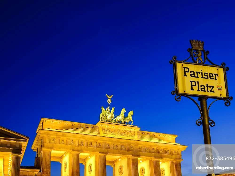 Brandenburg Gate at dusk, Berlin, Germany, Europe