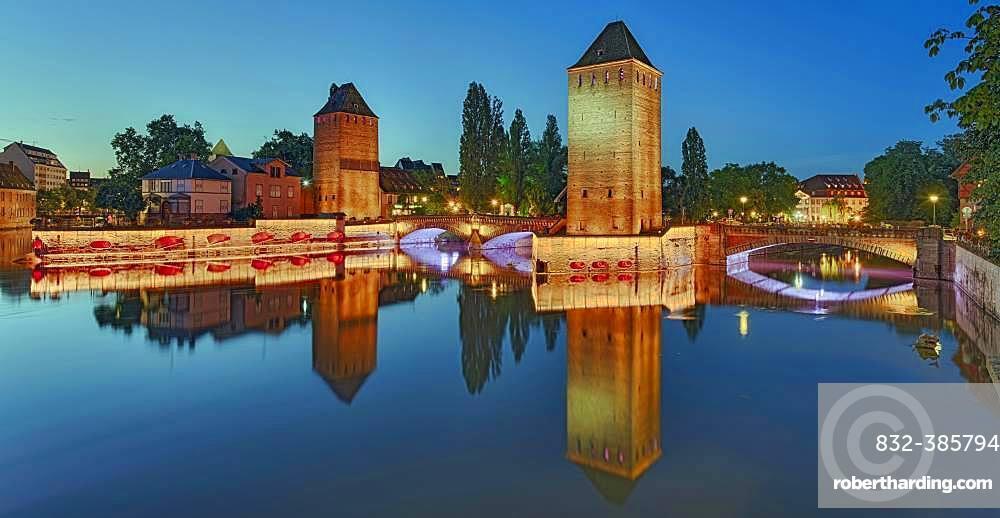 Night shot, illuminated weir Barrage Vauban, panorama, Strasbourg, Alsace, France, Europe