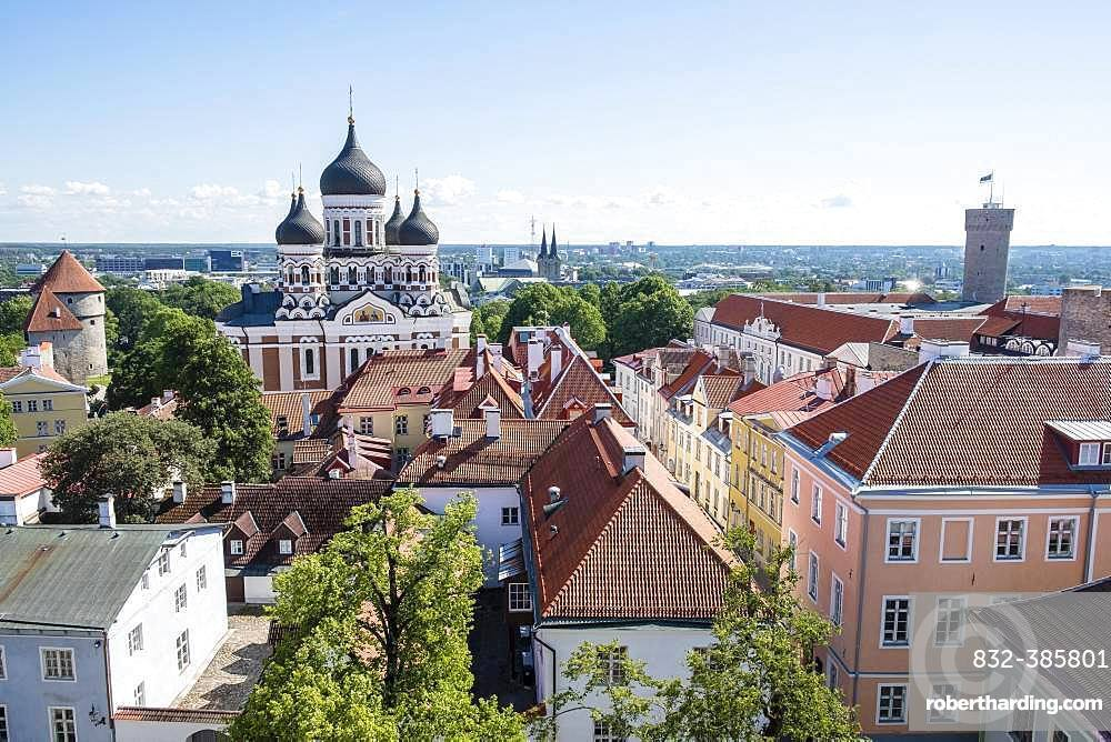 Upper town with Alexander Nevski Cathedral, Aleksander Nevski Cathedral, view from the tower of Toomkirik Cathedral, Tallinn, Estonia, Europe