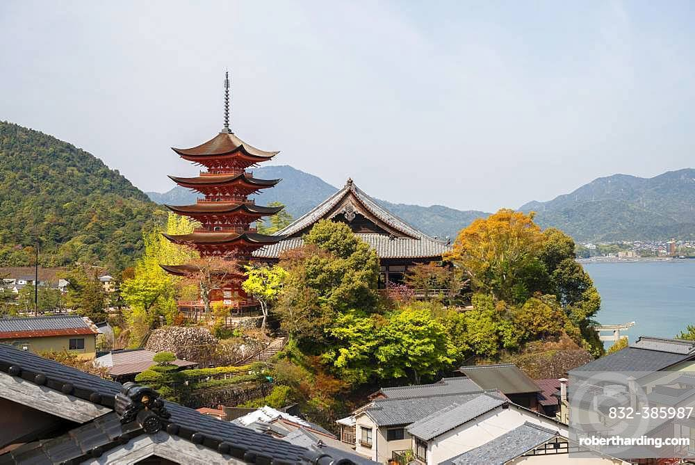 Toyokuni Shrine and Senjokaku Pavilion, five-story pagoda, Miyajima Island, Hiroshima Bay, Japan, Asia