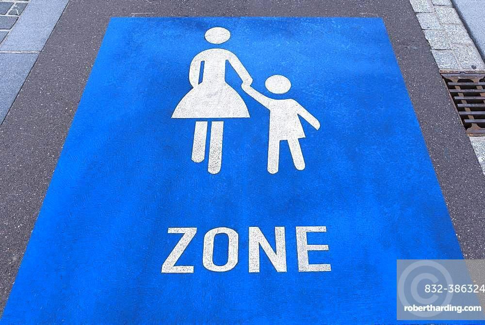Sign pedestrian zone on the street, Freiburg, Baden-Wuerttemberg, Germany, Europe