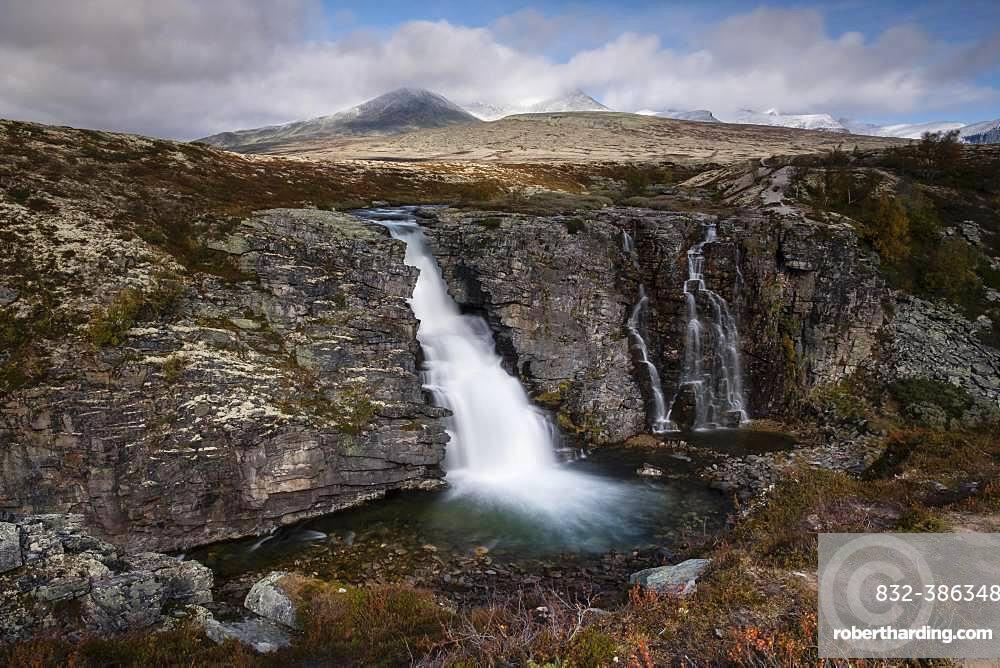 Storulfossen Waterfall, Store Ula River, Autumn, Rondane National Park, Norway, Europe