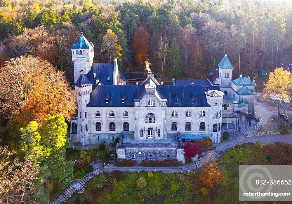 Seeburg Castle on Lake Starnberg, near Muensing, Fuenfseenland, aerial view, Upper Bavaria, Bavaria, Germany, Europe