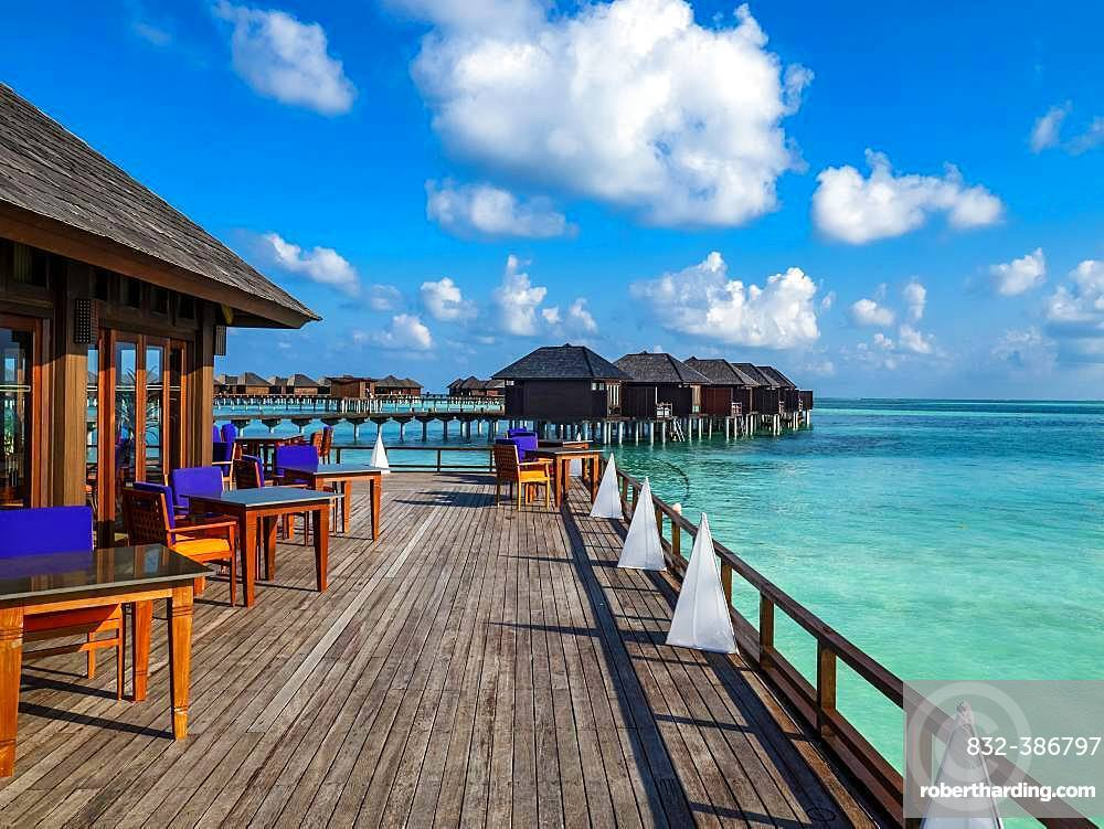 Tourist resort, water bungalows in turquoise water, Maldives Island, South Male Atoll, Maldives, Asia