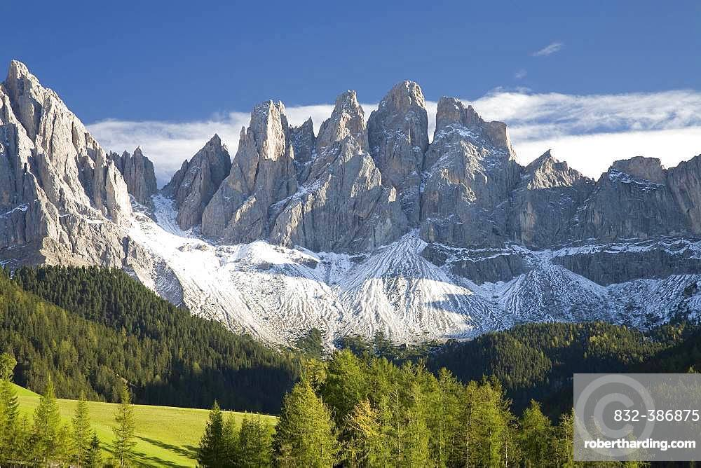 Geisler peaks with first snow, Villnoess valley, Dolomites, South Tyrol, Italy, Europe