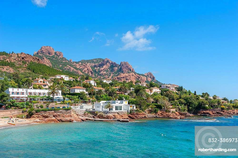 Coastal landscape in front of the Massif de l'Esterel, Antheor, Var, Provence-Alpes-Cote d'Azur, France, Europe