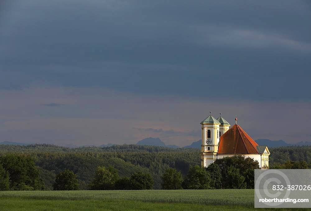 Church Marienberg above the Salzach valley, evening light, thunderstorm atmosphere, Burghausen, Upper Bavaria, Bavaria, Germany, Europe